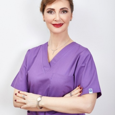 Dr. Manuela Ravescu