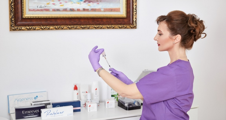 Injectii cu Acid Hialuronic