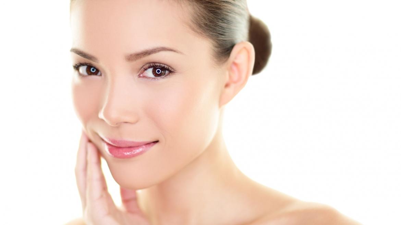 Tratament cosmetic cu masca plastica